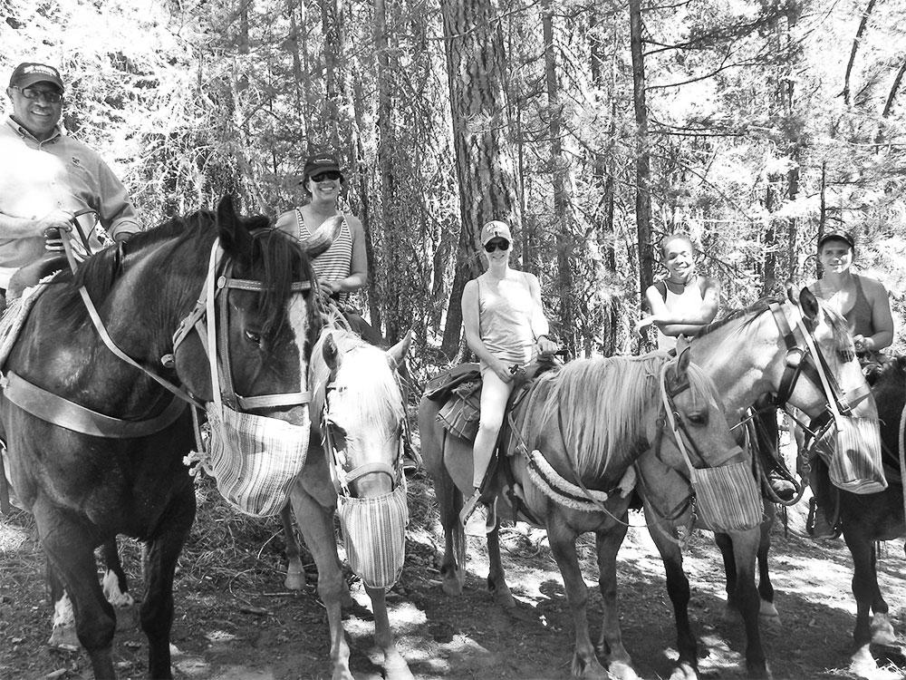 mazama horseback ride