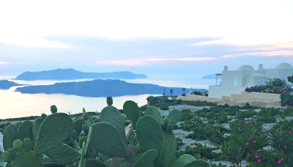 Megacholori, Santorini